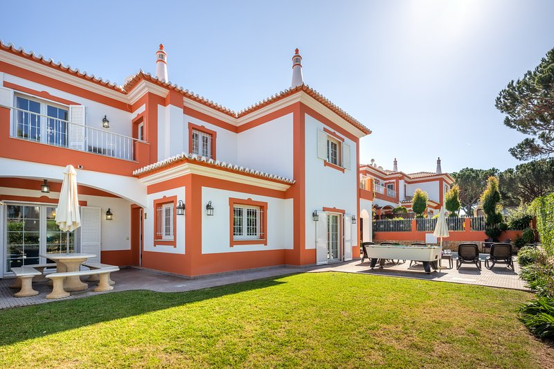 Villa Ribeiro II - 4 bedroomed Villa Albufeira , Açoteias, aluguéis de temporada em Albufeira