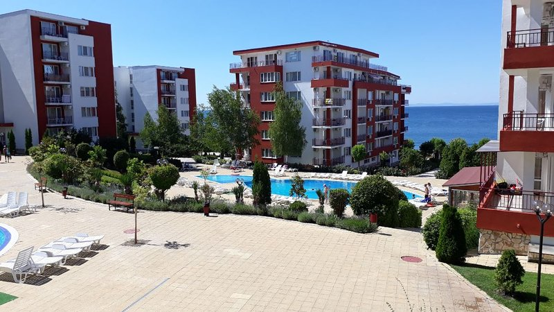 Apt Nr. St.Vlas with sea views, two bed, two bath in Grand Resort, Marina View., vacation rental in Sveti Vlas