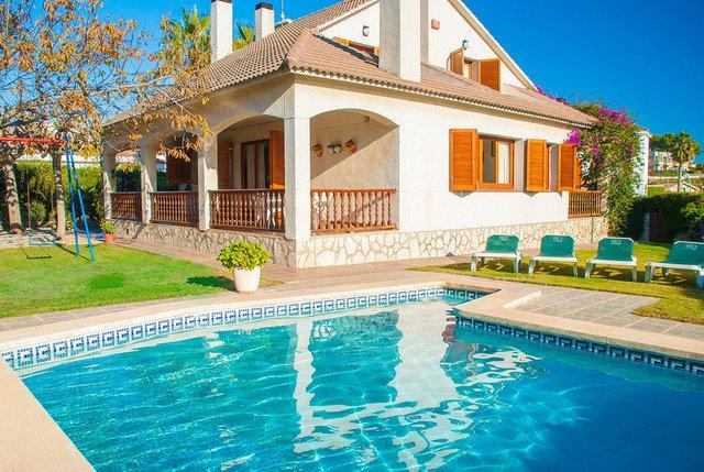Coma-ruga Villa Sleeps 12 with Pool - 5509247, vacation rental in Coma Ruga