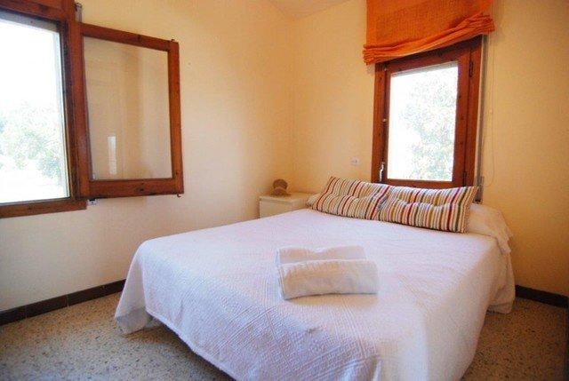 Sant Ponc Villa Sleeps 8 with Pool - 5509524, casa vacanza a Breda