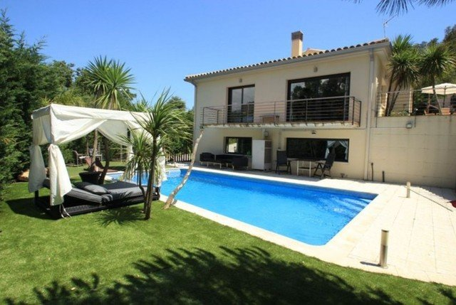 Castell-Platja d'Aro Villa Sleeps 10 with Pool Air Con and Free WiFi - 5509399, vacation rental in Platja d'Aro