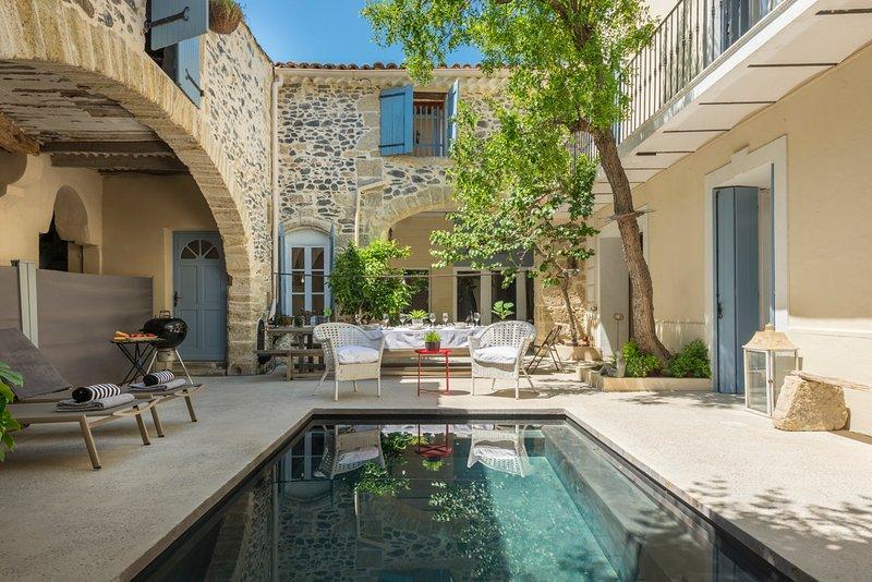 Caux-et-Sauzens Town House Sleeps 8 with Pool and Air Con - 5681771, location de vacances à Neffiès