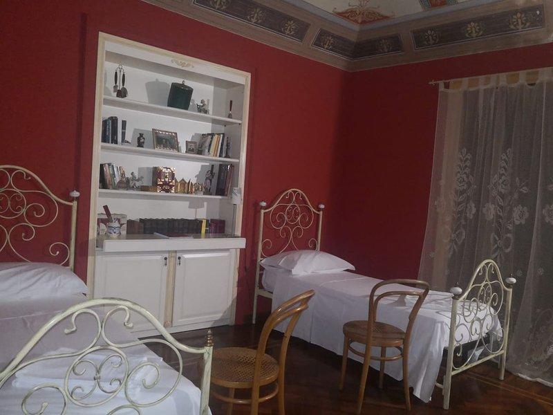 Nice apt with mountain view & Wifi, holiday rental in Montemaggiore Belsito
