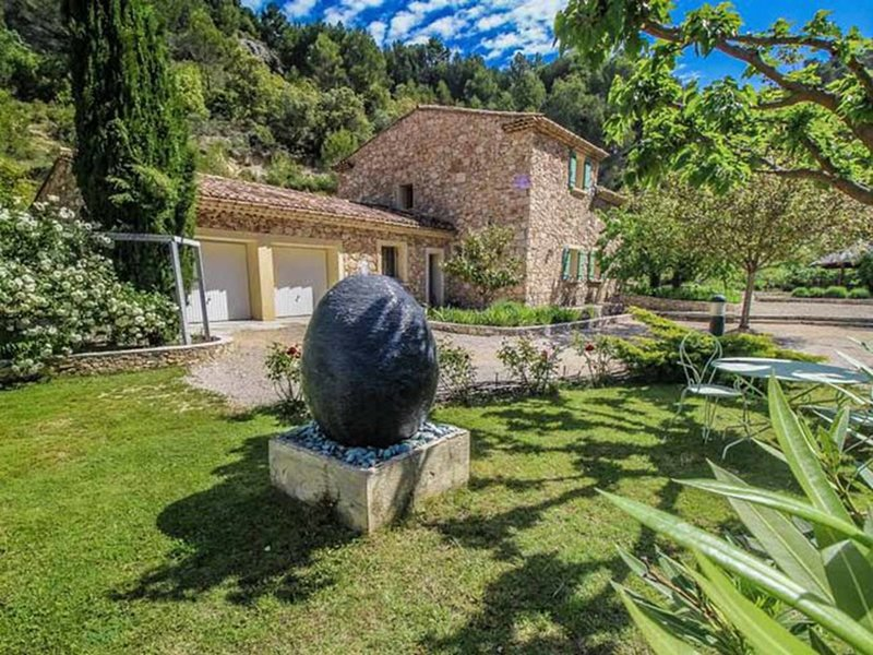 L'Oliveraie, holiday rental in Saint-Hippolyte-le-Graveyron