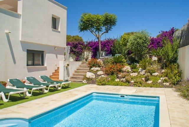 La Platja de Calafell Villa Sleeps 6 with Pool and Free WiFi - 5509377, alquiler de vacaciones en Segur de Calafell