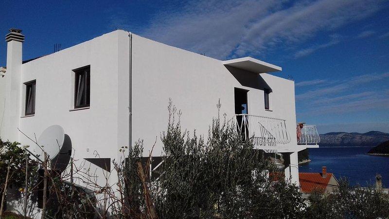 Prozura Apartment Sleeps 4 with Air Con - 5463606, holiday rental in Prozurska Luka