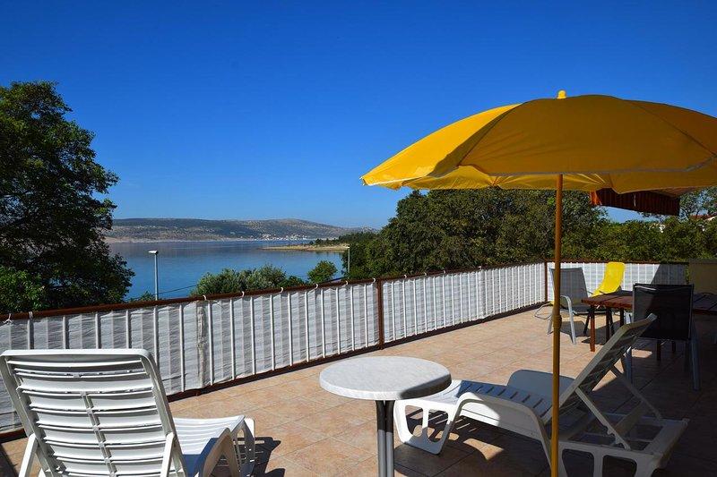 Provalija Apartment Sleeps 7 with Air Con - 5466207, holiday rental in Lovinac