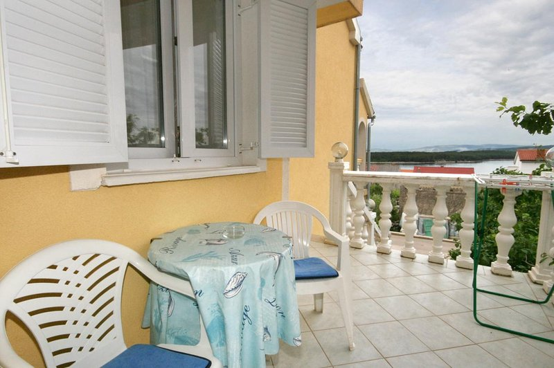 Punat Apartment Sleeps 4 with Air Con - 5464250, holiday rental in Punat