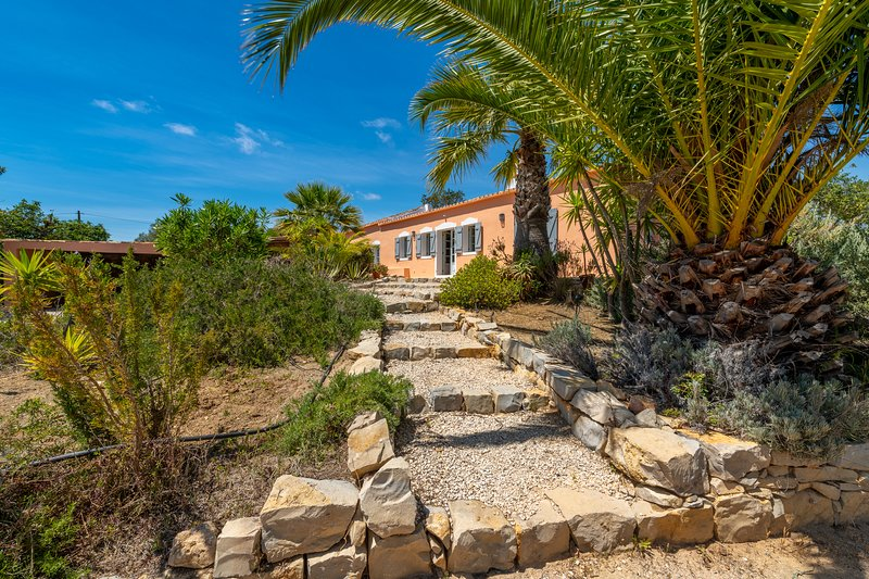 Morro dos Anjos · Private Quinta with swimming pool & sea view, holiday rental in Quelfes