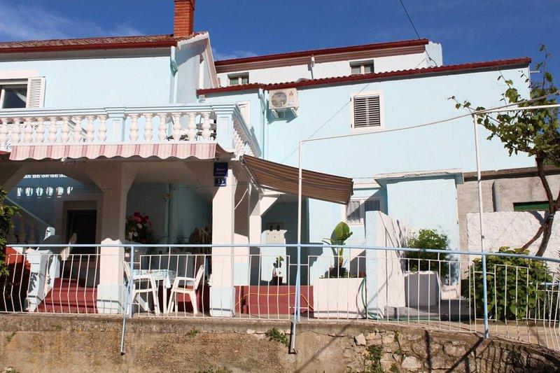 Lukoran Apartment Sleeps 6 with Air Con - 5470740, alquiler vacacional en Lukoran
