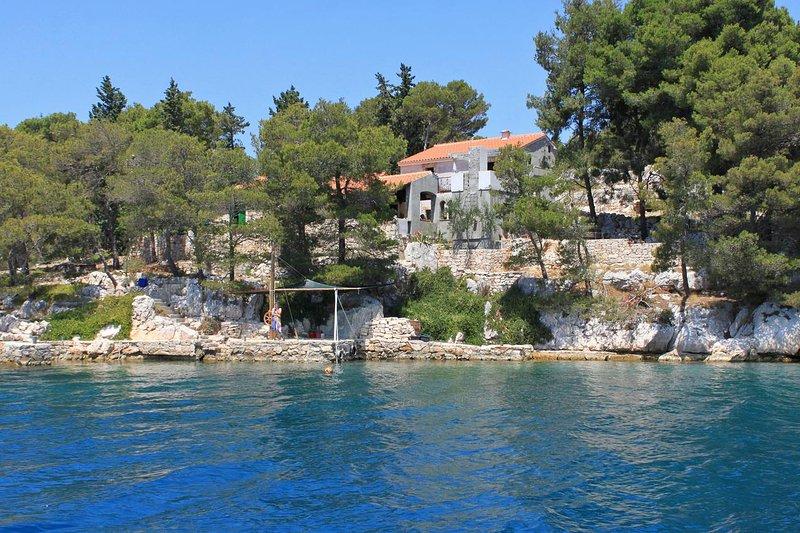 Sali Holiday Home Sleeps 5 - 5467999, holiday rental in Kornati Islands National Park