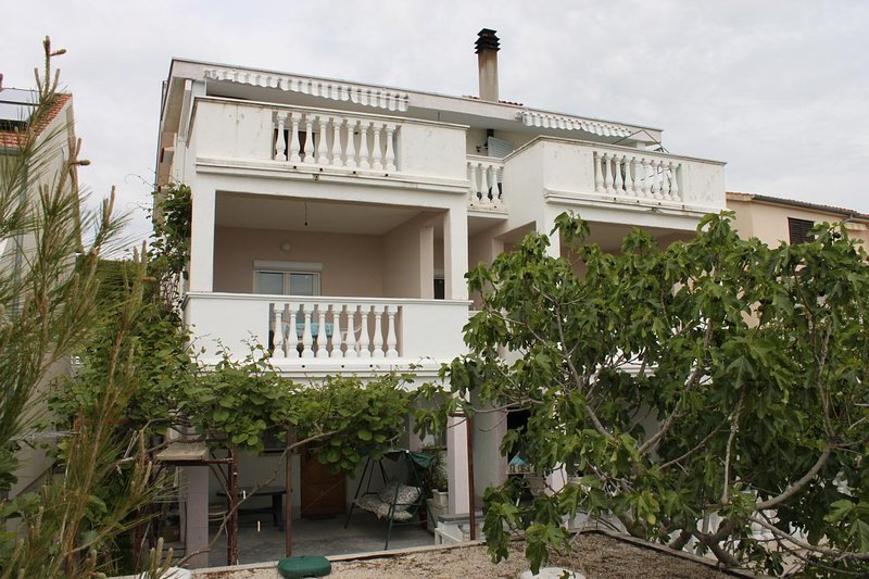 Podvrslje Apartment Sleeps 5 with Air Con - 5465475, holiday rental in Sveti Petar na Moru