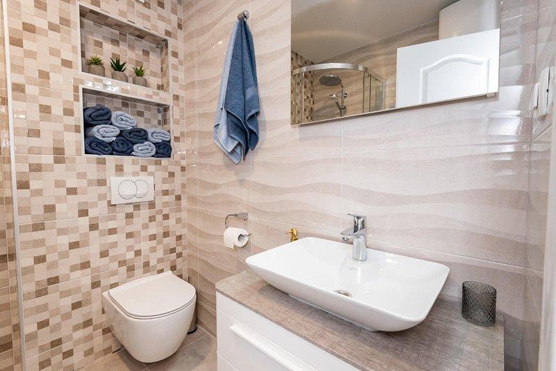A5 (5): Badezimmer mit Toilette