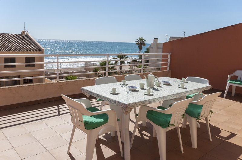 LAGO AZUL III - Apartment for 6 people in Tavernes de la Valldigna, vacation rental in Manuel