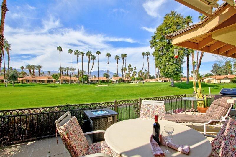 GV363 - Monterey Country Club - 2 BDRM, 2 BA, aluguéis de temporada em California Desert