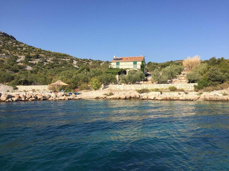 Tkon Holiday Home Sleeps 6 - 5470605, holiday rental in Kornat Island