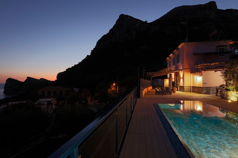 Villa The Phoenix with Private Swimming Pool, Sea View, Terrace and Parking, vacation rental in Nerano
