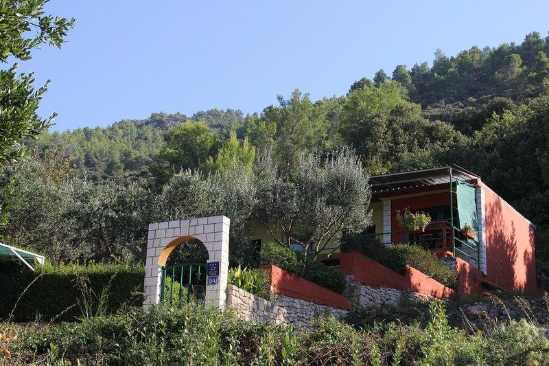Babino Polje Holiday Home Sleeps 5 - 5692604, alquiler vacacional en Cara