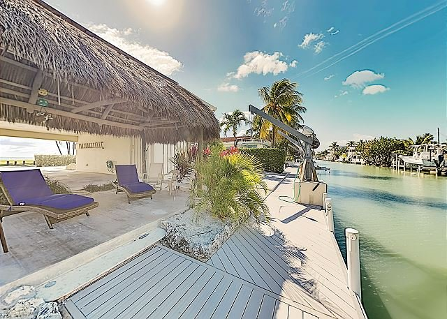 New Listing! Oceanfront Paradise w/ Private Beach & Boat Dock on Canal, vacation rental in Long Key