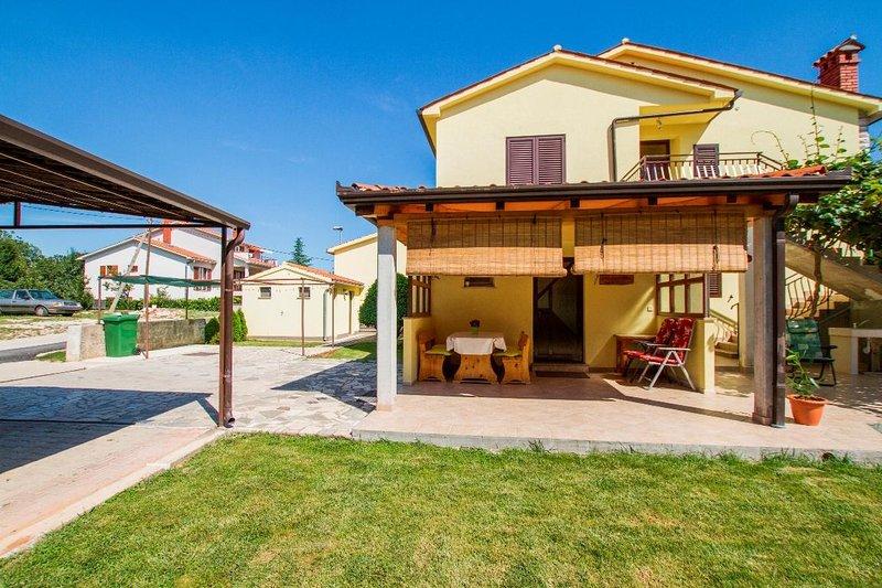 Labin Apartment Sleeps 3 - 5470895, holiday rental in Vinez