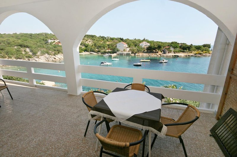 Potocnica Apartment Sleeps 4 with Pool and Air Con - 5465916, vacation rental in Potocnica