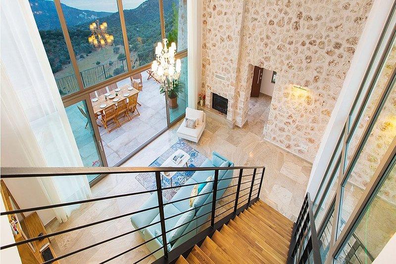 Villa Ilba, this stunning, Mediterranean pearl is the ultimate luxury getaway., holiday rental in Bezirgan