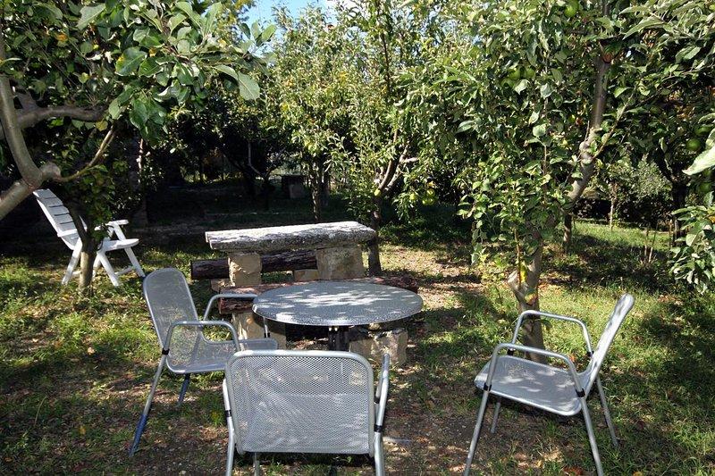 Groznjan Apartment Sleeps 4 with Air Con - 5466870, alquiler de vacaciones en Groznjan