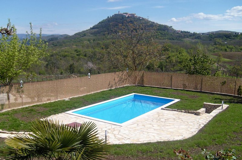 Brkac Apartment Sleeps 8 with Pool and Air Con - 5466894, holiday rental in Vizintini Vrhi