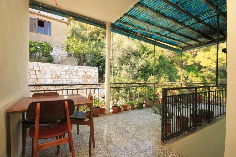 Lastovo Apartment Sleeps 4 with Air Con - 5468229, alquiler de vacaciones en Lastovo