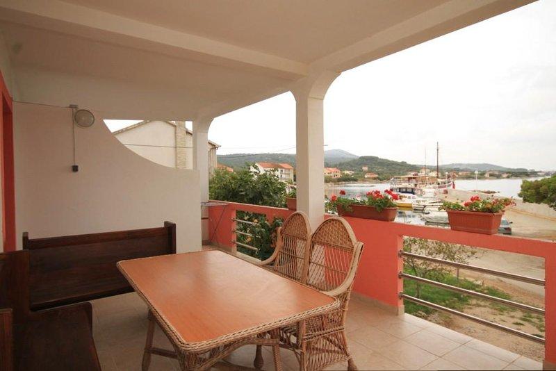 Cimera Apartment Sleeps 4 - 5468521, holiday rental in Nevidane