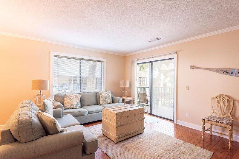 74 Springwood - Living Room (2)