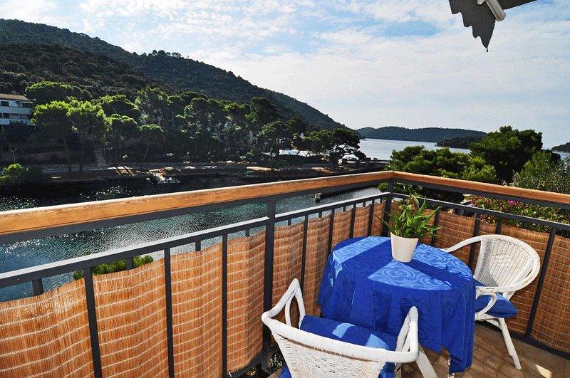 Pasadur Apartment Sleeps 2 with Air Con - 5468268, aluguéis de temporada em Ubli