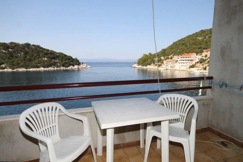 Lastovo Apartment Sleeps 2 with Air Con - 5468348, casa vacanza a Zaklopatica