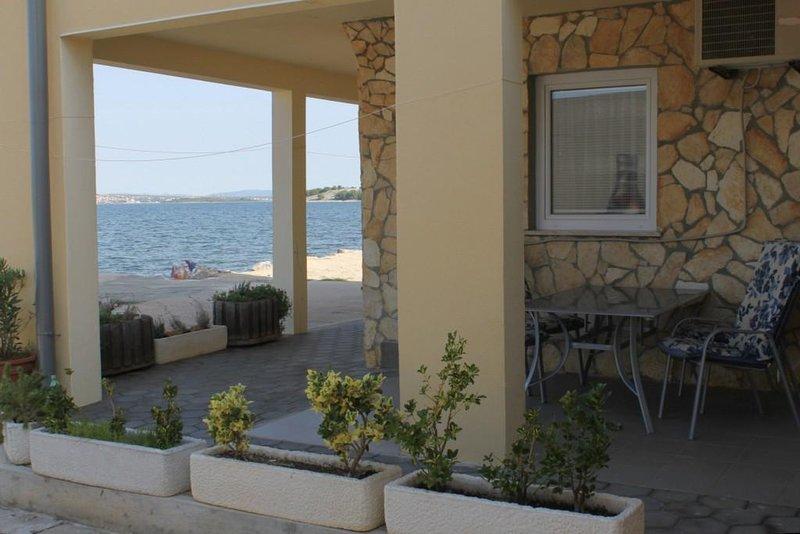 Cimera Apartment Sleeps 5 with Air Con - 5468423, holiday rental in Nevidane