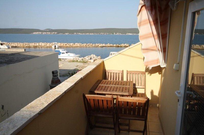Cimera Apartment Sleeps 3 with Air Con - 5468424, holiday rental in Nevidane