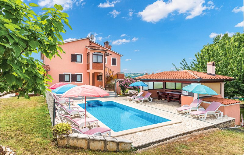Amazing home in Labin with WiFi and 6 Bedrooms (CIK541), casa vacanza a Vinez