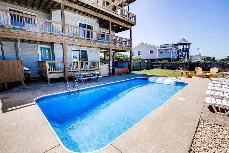 Blue Horizon | 1219 ft from the beach | Private Pool, Hot Tub | Kitty Hawk, location de vacances à Kitty Hawk