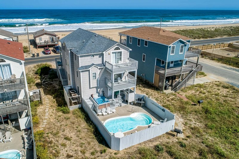 Guaranteed Fun | 60 ft from the Beach | Private Pool, Hot Tub | Kitty Hawk, alquiler de vacaciones en Kitty Hawk