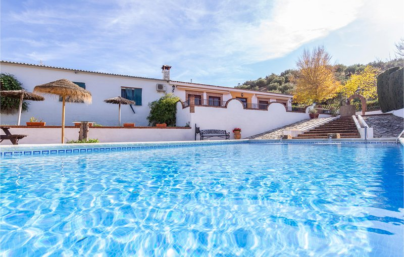 Awesome home in Priego de Córdoba with 3 Bedrooms (EAC143), holiday rental in Almedinilla