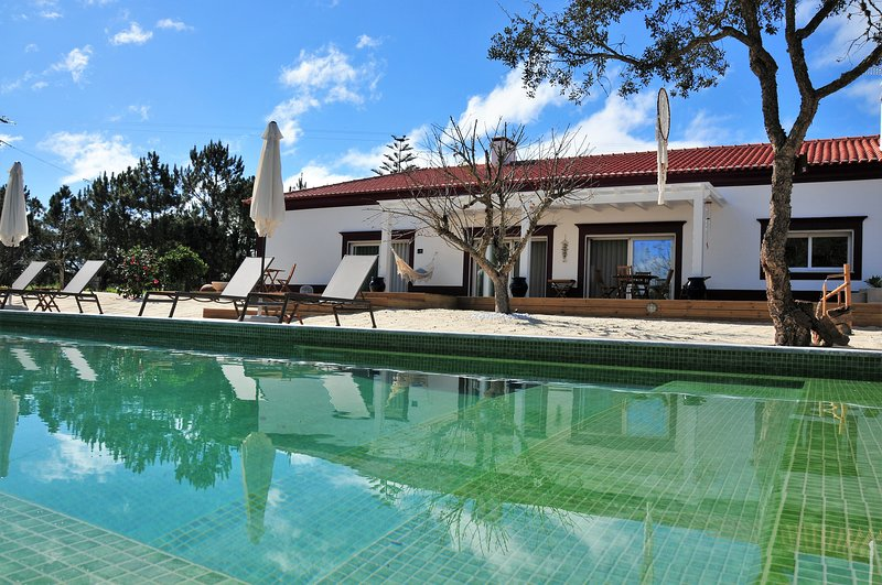 VEGANS BY THE SEA - COUNTRY HOUSES, vacation rental in Sines