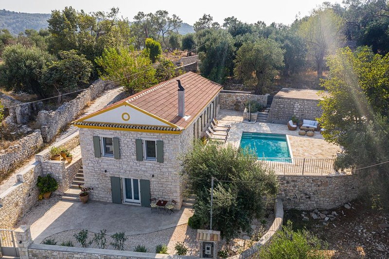 Serenity - Beautiful Newly Renovated Villa Close to Lakka, vacation rental in Lakka