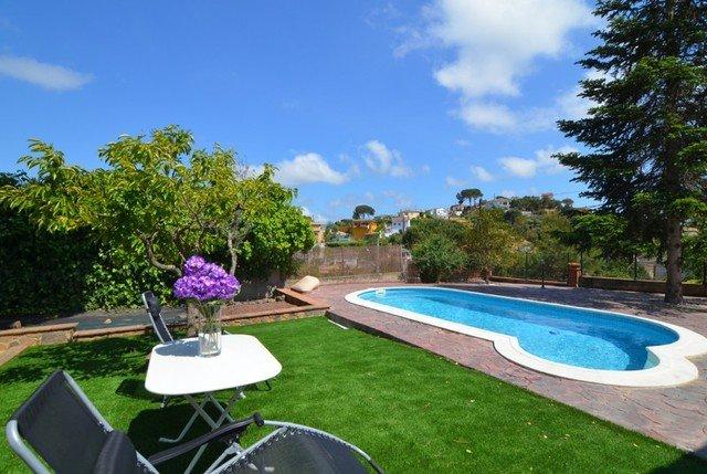 Santa Ceclina Villa Sleeps 8 with Pool - 5509145, holiday rental in Cartella
