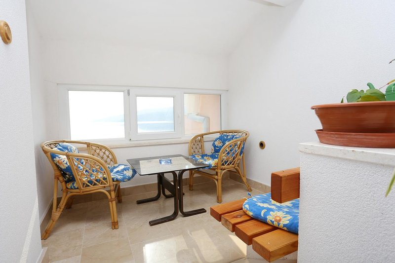 Poljica Kozicka Apartment Sleeps 4 with Air Con - 5470158, alquiler de vacaciones en Poljica