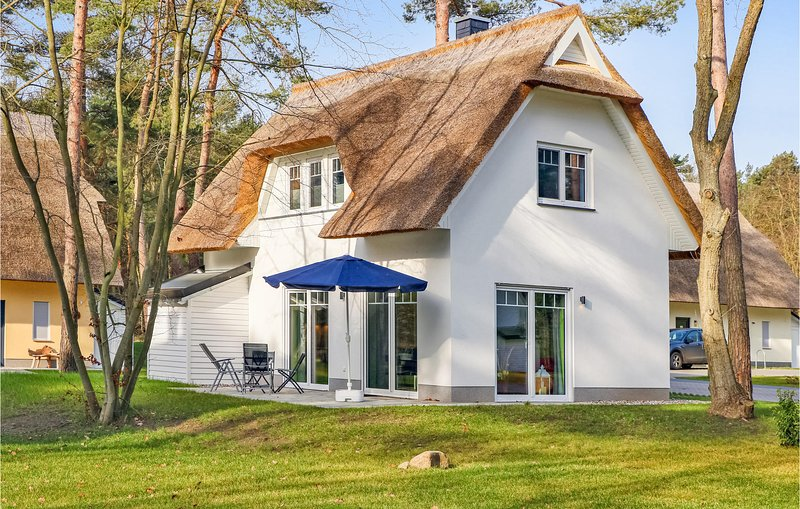 Beautiful home in ZirchowithUsedom with Sauna and 2 Bedrooms (DMU177), holiday rental in Zirchow