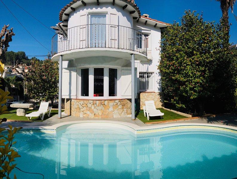 Villa con PISCINA a 5' Parque Natural del Montseny y cerca COSTA BRAVA, casa vacanza a Breda