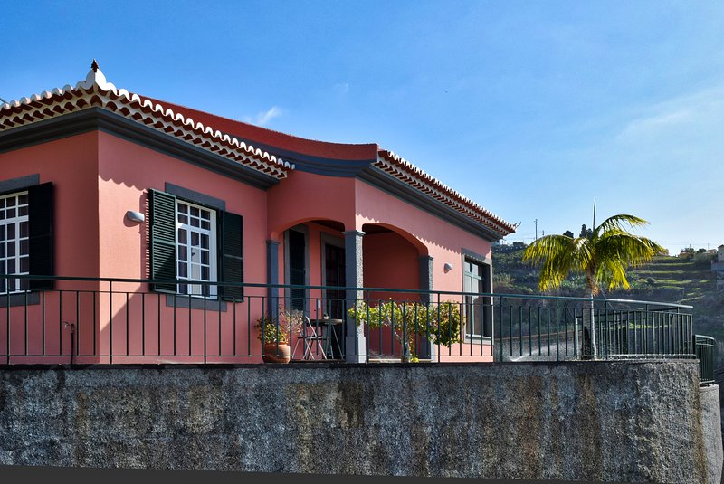 Villa do Sol, a Home in Madeira, holiday rental in Canhal