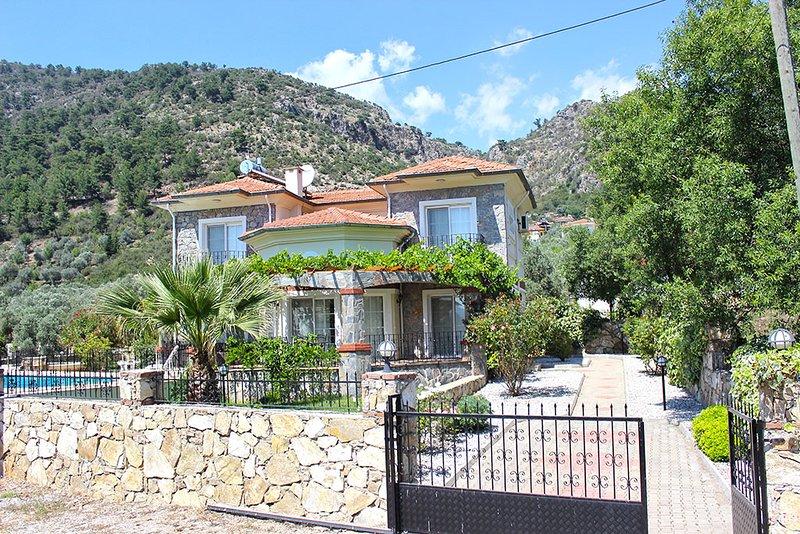 Villa Elvin, location de vacances à Yesiluzumlu