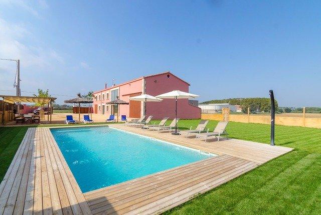 Santa Ceclina Villa Sleeps 14 with Pool Air Con and Free WiFi - 5509277, holiday rental in Caldes de Malavella