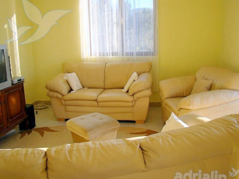 Holiday home 162964 - Holiday apartment 163714, alquiler de vacaciones en Poljica