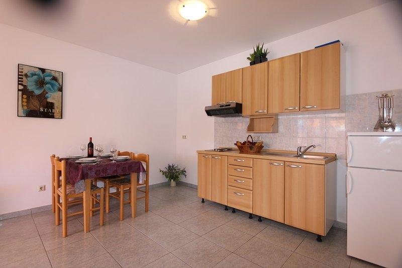 Holiday home 110699 - Holiday apartment 10831, casa vacanza a Soline